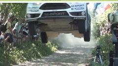 一瞬動画 フォード フィエスタ RS WRC が飛んでキター!