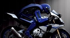 人型ロボットがバイクを自律運転しちゃうヤマハ MOTOBOT Ver.1