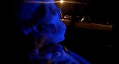 ハロウィーンだから骸骨が運転する車を作ってみた