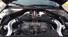 2000馬力のチューンド GT-R を見てみましょう