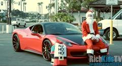 フェラーリに乗ったサンタが子供達にプレゼントを配っちゃう動画