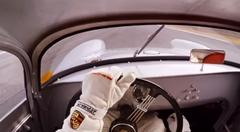 ポルシェのレーシングカー20車種が次々と変化しちゃうラグナ・セカオンボード動画