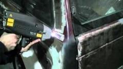 高出力レーザーでボディの塗装を剥離しちゃう動画