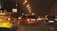 BMW 1M が公道でところかまわずドリフトしちゃう動画