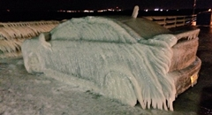 湖のほとりにランサーを止めておいたら氷の彫刻になっちゃいましたwww