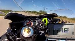 NOSチューンのスズキ ハヤブサが公道で350km/h出しちゃう動画
