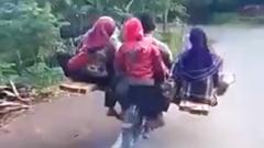 何人乗ってんだよwww バイク1台で家族を運んじゃうツワモノ動画
