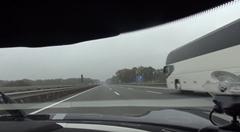 ケーニグセグ アゲーラR アウトバーン 330km/hオーバーオンボード動画