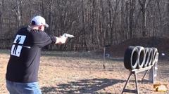 世界最強の拳銃 S&W M500 でタイヤを何本貫通出来るか実験してみた動画