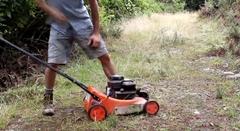 お前らに芝刈り機のエンジンが掛からない時どうするかを教えてやる!