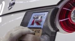日産 GT-R 2017年モデルの工場内部を淡々と見てみる