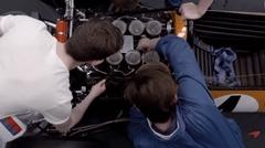 マクラーレン F1 50年の歩みを振り返る動画