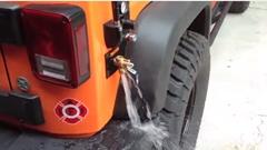 どんな時でも洗車できちゃうジープ ラングラー