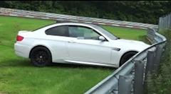 BMW M3 がニュルでクラッシュ! → 意外と大丈夫でした
