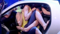 スマート フォーツークーペって頑張れば20人も乗れるんだ!