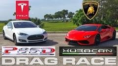 テスラ モデルS P85D vs ランボルギーニ ウラカン 加速対決動画