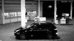 レーサーがガソリンスタンドに来るとこうなるっていうポルシェの面白CM