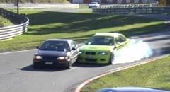 ホンダ CR-X と BMW M3 がクラッシュしちゃうニュル動画