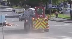 消防車もドリフトしちゃうよ