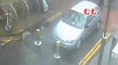 セキュリティポール vs 車 仁義なき戦い動画