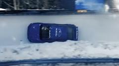 スバル WRX STI がボブスレーコースを無理やり走っちゃう動画