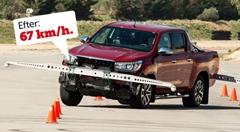 トヨタ メディアが指摘したハイラックスの横転しそうになる問題を解決する