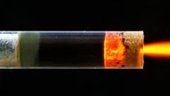 中身が丸見え!シースルーロケットエンジンの模型