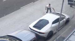 トラビス・スコット 愛車のランボルギーニ ウラカンをぶつける