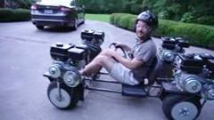 エンジンを4基積んだ自作AWDカート