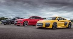 アウディ R8 V10 Plus vs RS6 vs S8 ドラッグレース対決動画