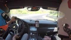 ポルシェのテストドライバー 同乗走行でもめちゃくちゃ速い!