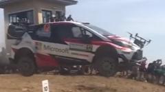 ドローンをぶっ壊すトヨタ ヤリスWRC のジャンプ動画
