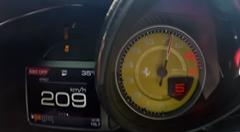 快音が響くフェラーリ 812 スーパーファスト 0-200km/h動画