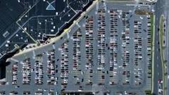 ショッピングモールの駐車場を上空から撮影してみた動画