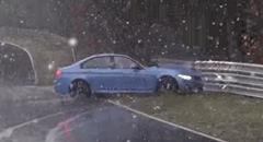 雪のニュルブルクリンクで BMW M3 がクラッシュしちゃう動画