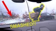 いきなり歩行者にランボルギーニ ウラカンのフロントガラスが割られちゃう動画