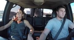 ハイパワーピックアップトラックに彼女を乗せてみた