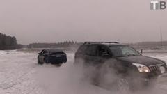 テスラ モデルX vs トヨタ ランドクルーザープラド 綱引き対決動画