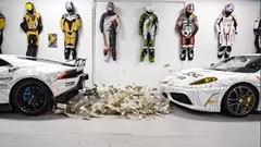 現金1000万円の上でランボルギーニがバーンアウトしちゃう動画