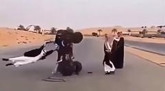 アラブ人「ひとりジャイアントスイングやりまーす」