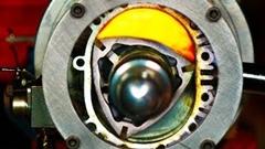 すげー!燃焼室丸見えロータリーエンジンのスローモーション動画