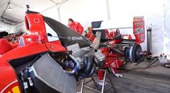 個人所有のF1マシンを整備するフェラーリ コルセ・クリエンティのお仕事動画