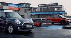 BMW i3 vs ミニ クーパーゼロヨン加速対決動画