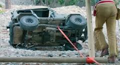 ウインチがなくても横転した車を起こす方法がわかる動画