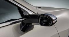 レクサス ESが量産車世界初のデジタルアウターミラーを採用!