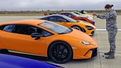 720S vs 911 vs シビック vs ウラカン vs M5 vs マスタング vs ステルヴィオ vs スティンガー vs TT vs コルベット vs チャレンジャー vs ヴァンテージ 12台同時ドラッグレース動画