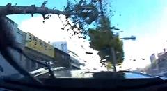 ソウルの市街地を177km/hで爆走したマスタングがクラッシュしちゃう動画