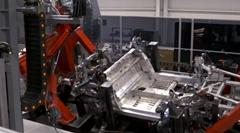 ホンダ NSX がアメリカの工場で作られているところを見てみよう