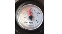 すごい早さで燃料メーターが減っていく車wwww