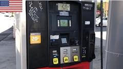 日本とアメリカのセルフガソリンスタンドの違いがわかる動画 その2